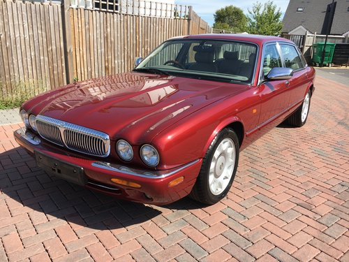Daimler Super V8 2001 MY 56k like new condition 56k For Sale (picture 1 of 6)
