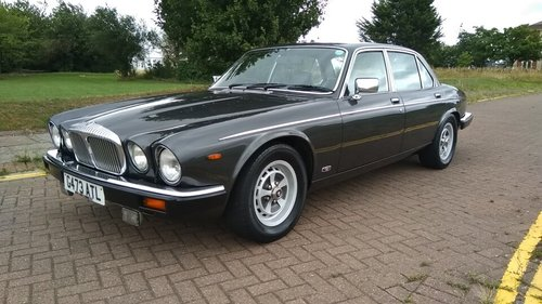 1990 DAIMLER DOUBLE SIX SERIES 3 - 33000 MILES - JAP IMPORT  SOLD (picture 1 of 6)