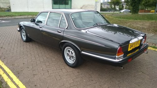 1990 DAIMLER DOUBLE SIX SERIES 3 - 33000 MILES - JAP IMPORT  SOLD (picture 3 of 6)