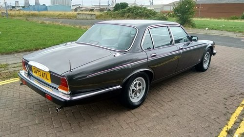 1990 DAIMLER DOUBLE SIX SERIES 3 - 33000 MILES - JAP IMPORT  SOLD (picture 4 of 6)