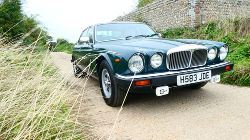1990 Daimler Double Six 5.3 litre V12 Automatic SOLD (picture 1 of 6)