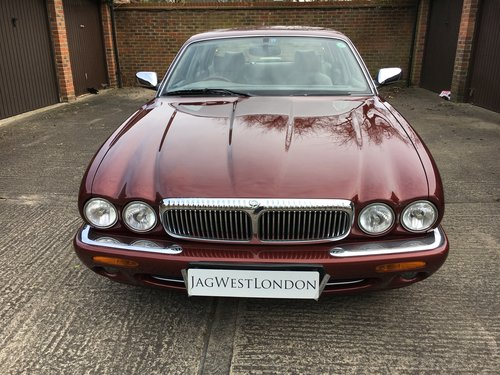 8995 Daimler Super V8 only 56k miles and unmarked condition  For Sale (picture 3 of 6)