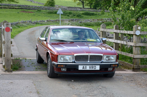 1993 DAIMLER DOUBLE SIX Just 76k mls ; 14 stamps ; For Sale (picture 1 of 6)