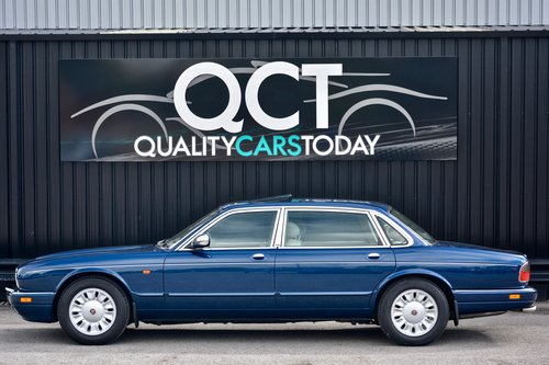 1996 Daimler Six 4.0 Straight Six LWB SOLD (picture 2 of 6)