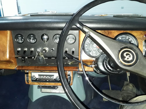 1968 Stunning Daimler 250 V8 Saloon SOLD (picture 4 of 6)