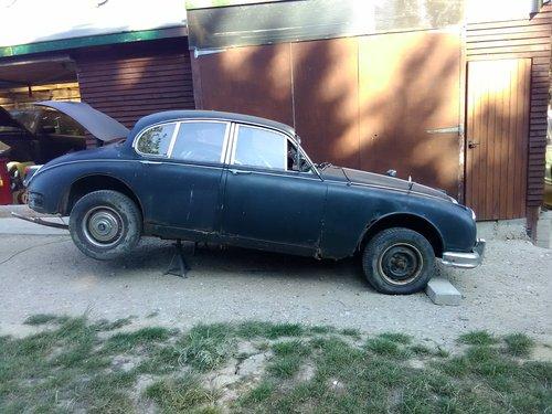 1966 Daimler Mk2 V8 250 Restoration project For Sale (picture 1 of 6)