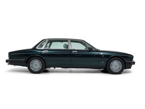 Daimler Double Six Majestic Insignia 1994 For Sale (picture 3 of 6)