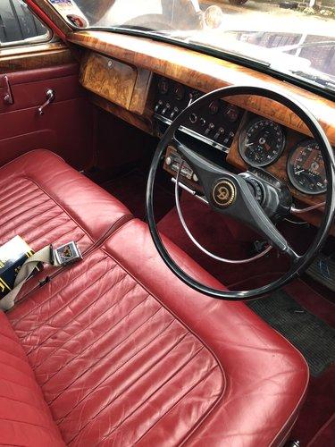 1965 DAIMLER 250 V8 AUTO - INDIGO BLUE - RESTORED SOLD (picture 5 of 6)