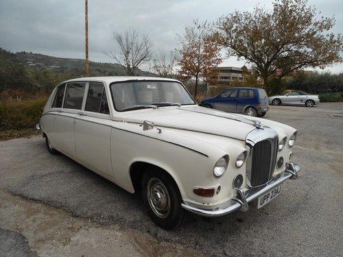 1966 Daimler Vanden Plas Limousine For Sale (picture 2 of 6)