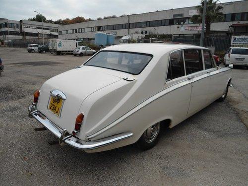 1966 Daimler Vanden Plas Limousine For Sale (picture 3 of 6)