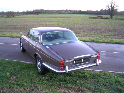 1971 Daimler Sovereign 4.2 Series 1 Classic Car For Sale (picture 2 of 6)