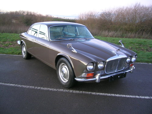 1971 Daimler Sovereign 4.2 Series 1 Classic Car For Sale (picture 3 of 6)