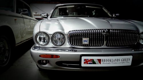 2000 Daimler Super V8 LWB Supercharged For Sale (picture 2 of 6)