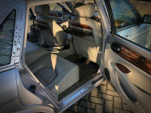 2000 Daimler Super V8 LWB Supercharged For Sale (picture 4 of 6)