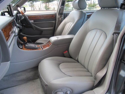 1997 DAIMLER DOUBLE SIX 6.0 V12 AUTO LWB LIMOUSINE MAJESTIC For Sale (picture 3 of 6)