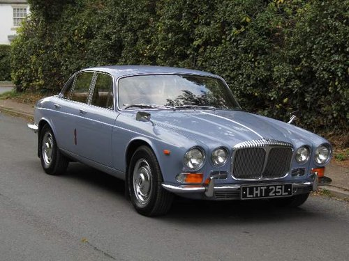 1973 Daimler Sovereign 2.8 Series I Manual O/D, 12,500 MILES SOLD (picture 1 of 6)