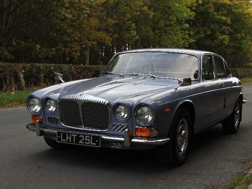 1973 Daimler Sovereign 2.8 Series I Manual O/D, 12,500 MILES SOLD (picture 2 of 6)