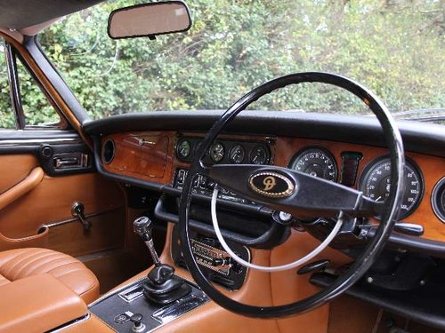 1973 Daimler Sovereign 2.8 Series I Manual O/D, 12,500 MILES SOLD (picture 4 of 6)