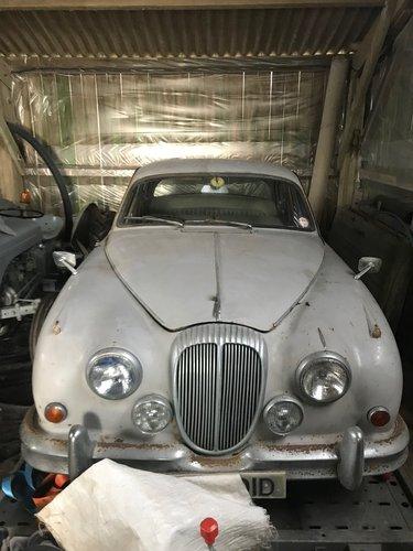 1966 Daimler 2.5 V8 for restoration SOLD (picture 2 of 6)