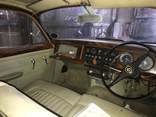 1966 Daimler 2.5 V8 for restoration SOLD (picture 4 of 6)