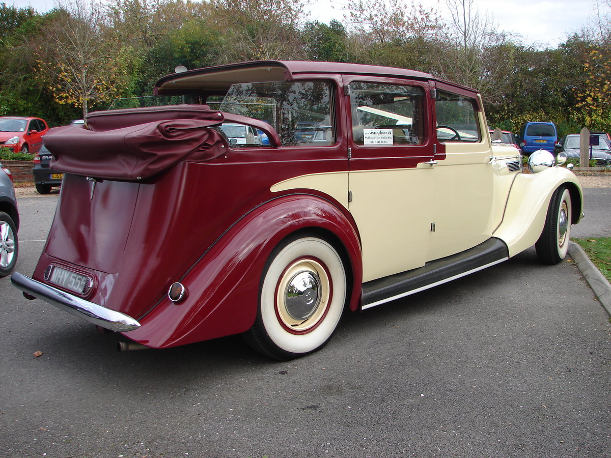 1950 Royal GIANT 9 seat Limosine Hampshire Berks.Wilts. For Hire (picture 3 of 6)