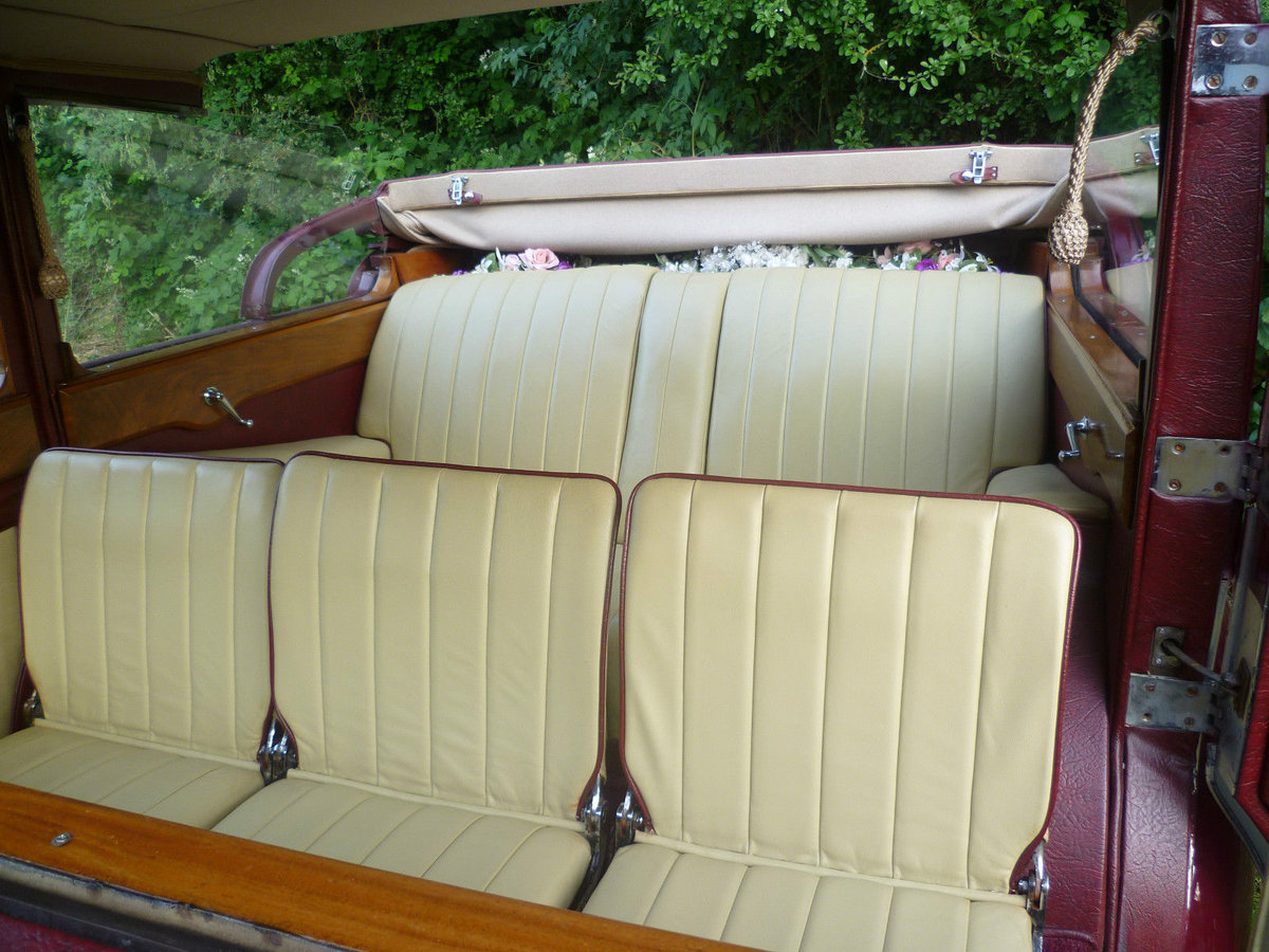 1950 Royal GIANT 9 seat Limosine Hampshire Berks.Wilts. For Hire (picture 5 of 6)