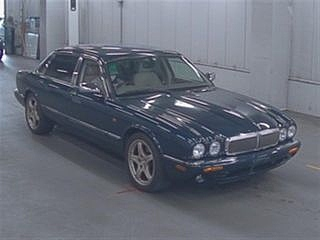 Daimler Super V8 2002 last year of build and perfect For Sale (picture 1 of 3)