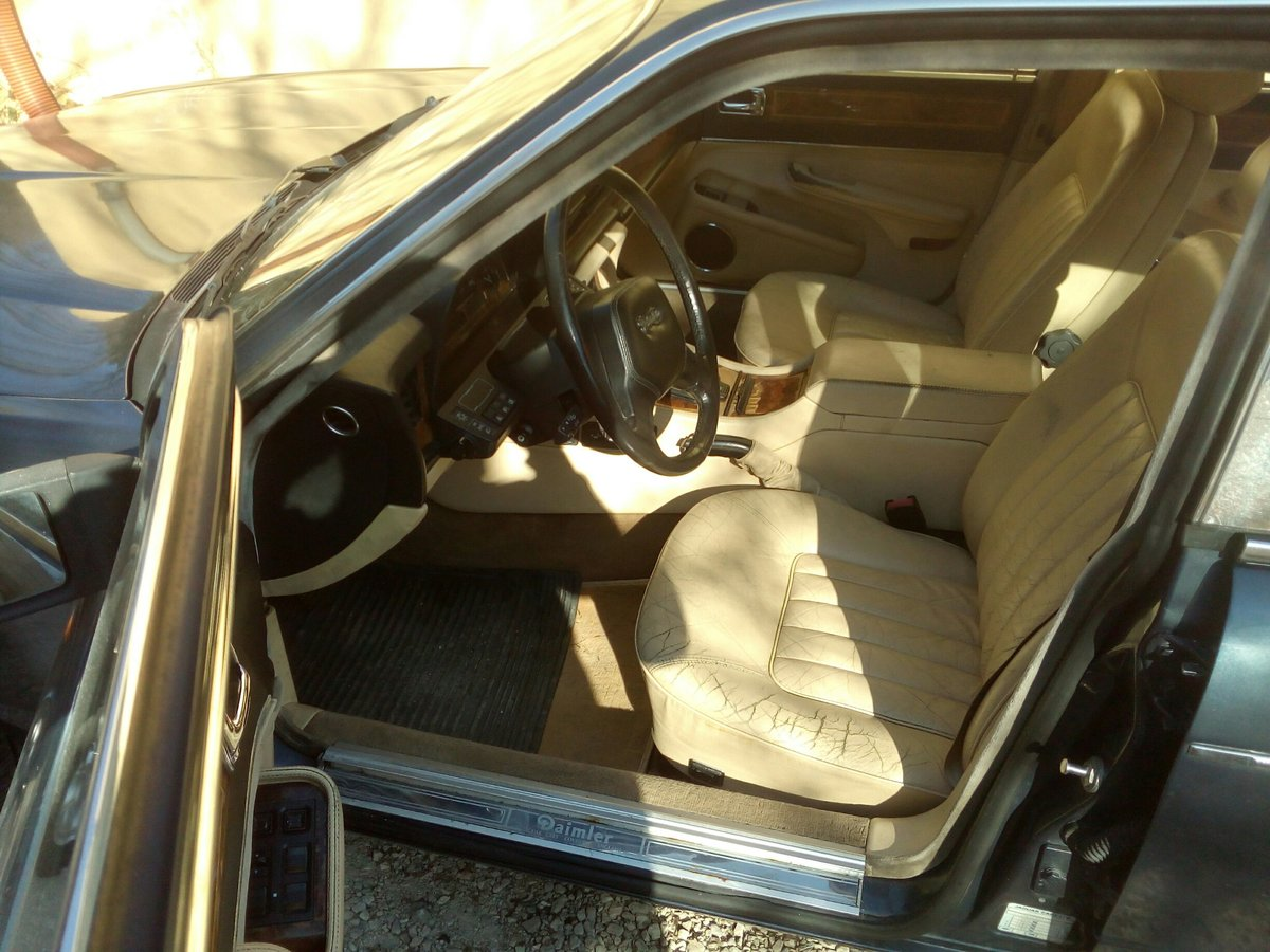 1990 Daimler Sovereign 4.0 For Sale (picture 4 of 6)