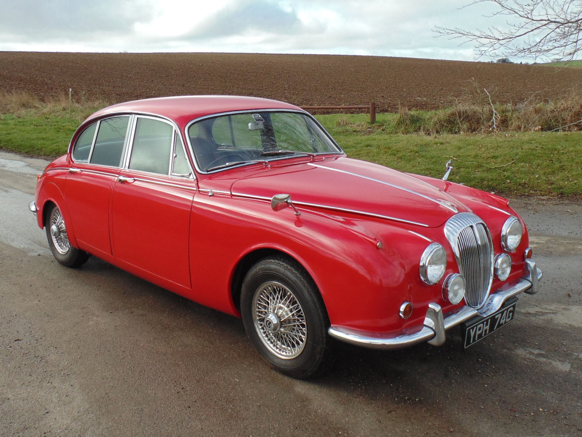 1969 Daimler V8 250 Automatic SOLD (picture 2 of 6)