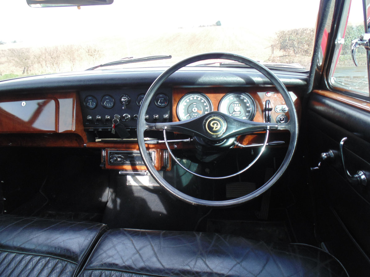 1969 Daimler V8 250 Automatic SOLD (picture 4 of 6)