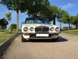 1975 Daimler Sovereign 4.2 Coupe  For Sale by Auction