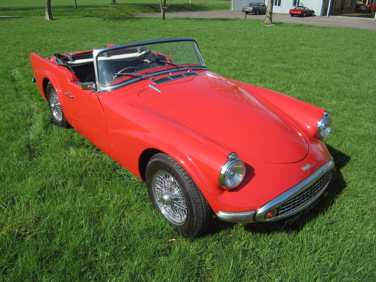 1960 Daimler SP250 Dart For Hire (picture 1 of 6)