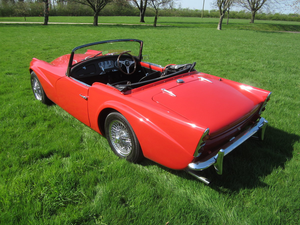 1960 Daimler SP250 Dart For Hire (picture 4 of 6)