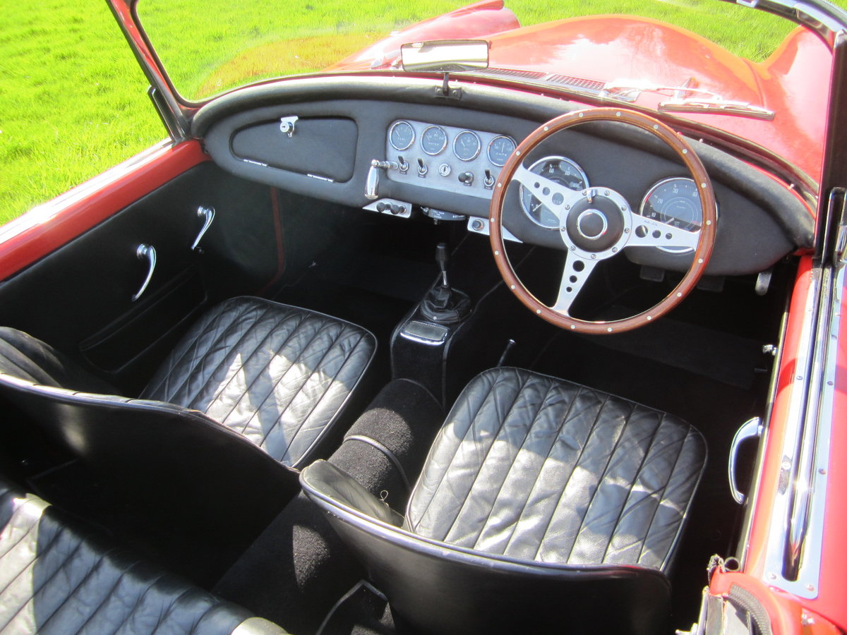 1960 Daimler SP250 Dart For Hire (picture 5 of 6)
