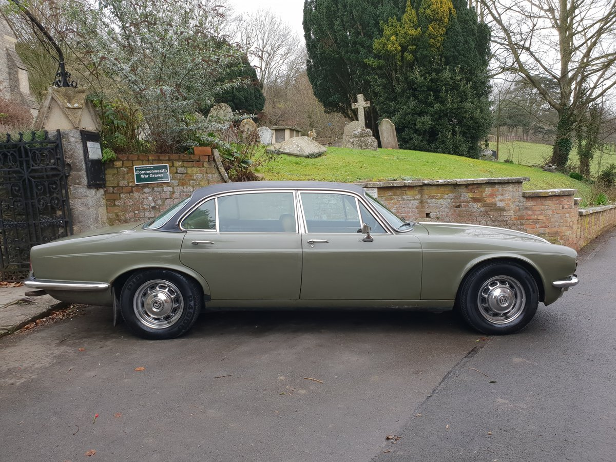 1972 Daimler Double Six V12 Family Owned  For Sale (picture 3 of 6)