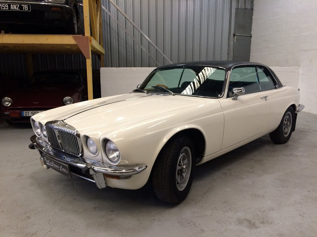 1976 Daimler coupe For Sale (picture 2 of 5)