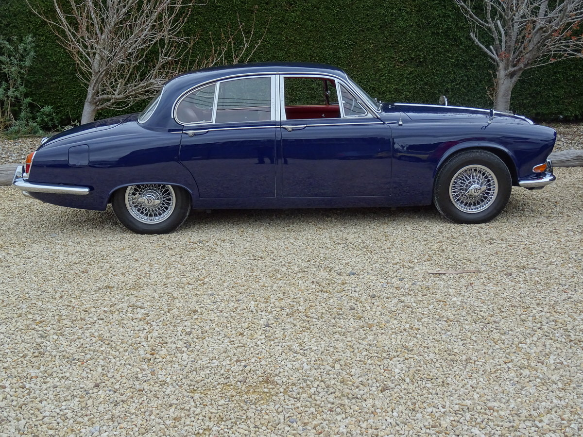 Daimler Sovereign – Stunning/Matching Numbers SOLD (picture 3 of 6)