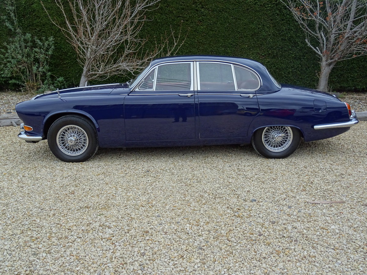 Daimler Sovereign – Stunning/Matching Numbers SOLD (picture 4 of 6)