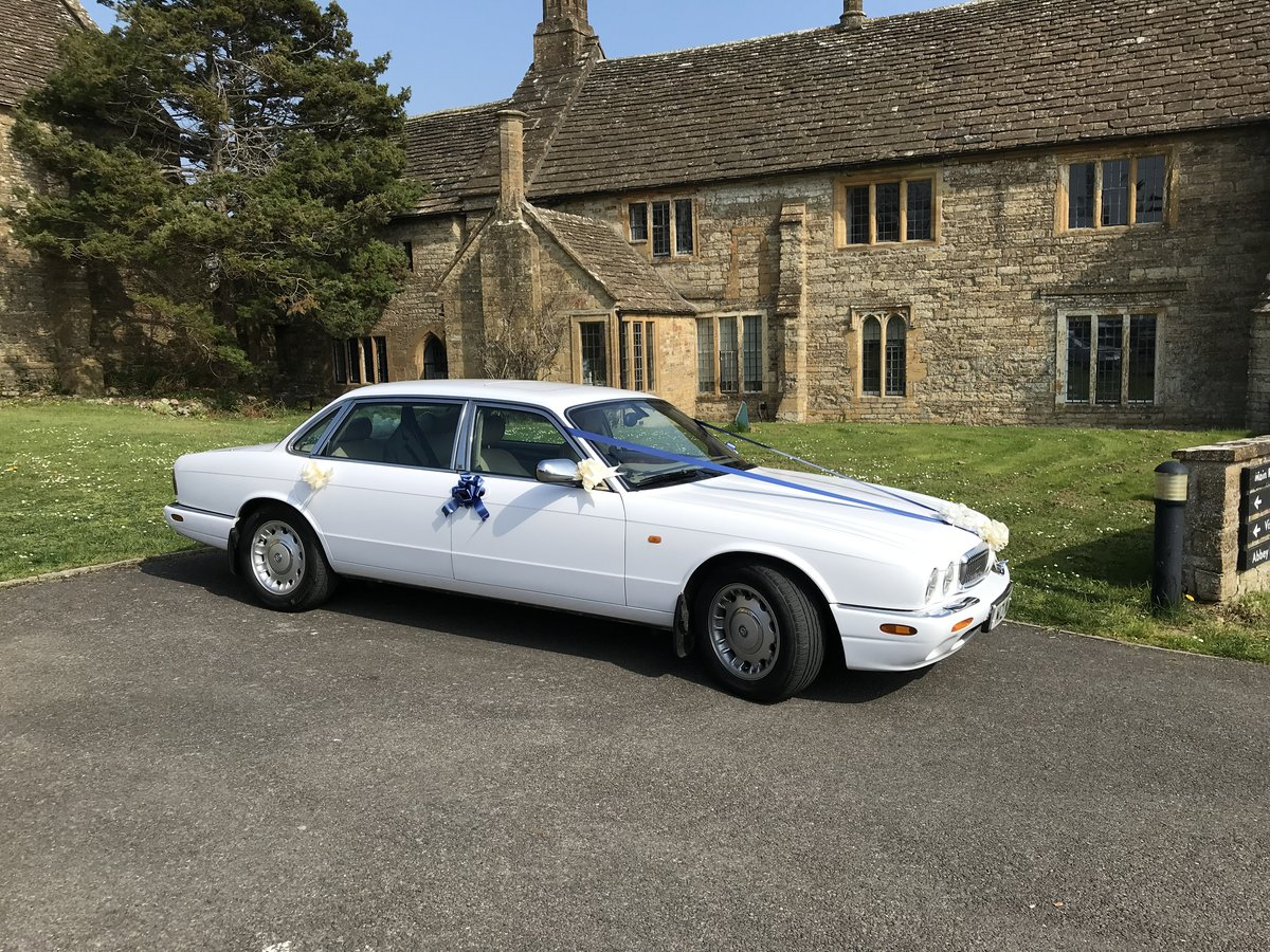 2000 Wedding Cars for hire For Hire (picture 1 of 6)