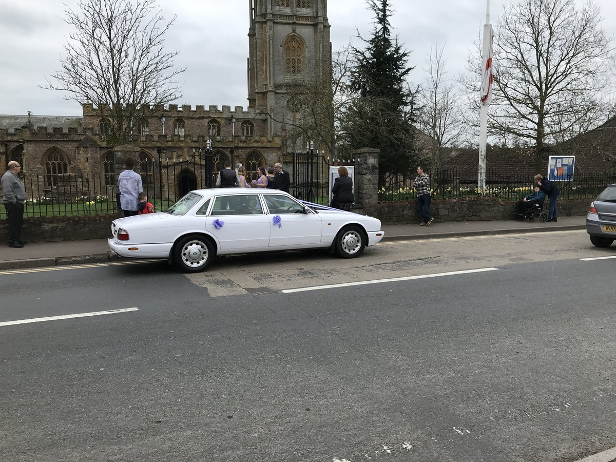 2000 Wedding Cars for hire For Hire (picture 2 of 6)