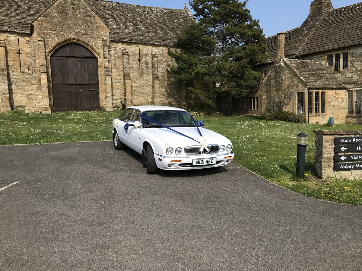 2000 Wedding Cars for hire For Hire (picture 3 of 6)