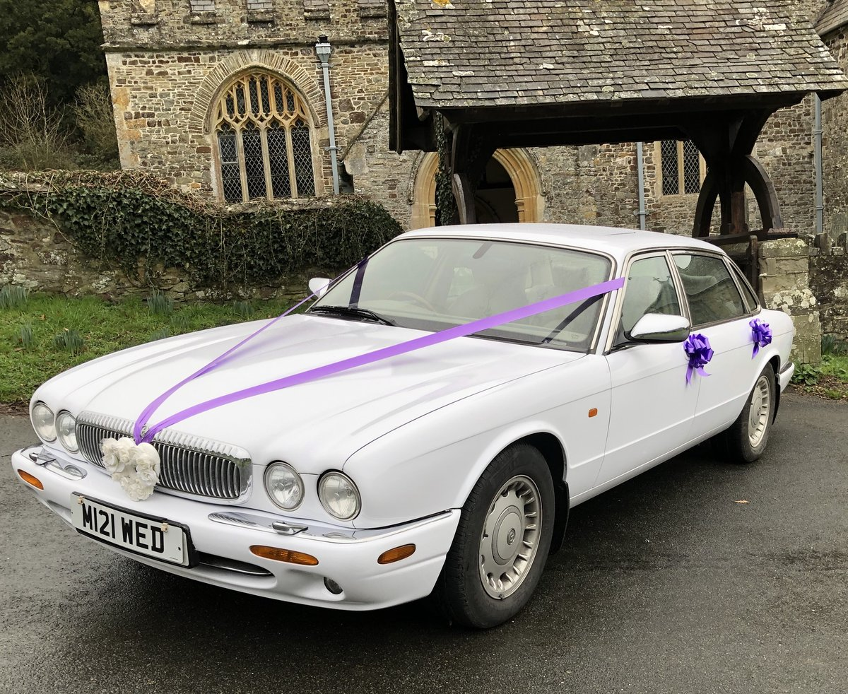 2000 Wedding Cars for hire For Hire (picture 4 of 6)