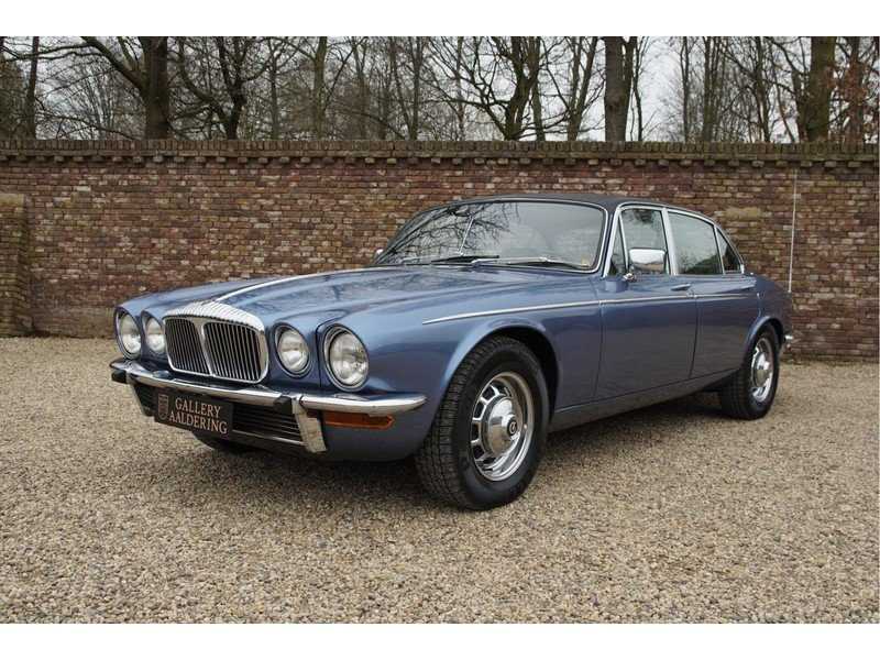 1978 Daimler Double Six Vanden Plas Swiss car, only 126.433 km For Sale (picture 1 of 6)