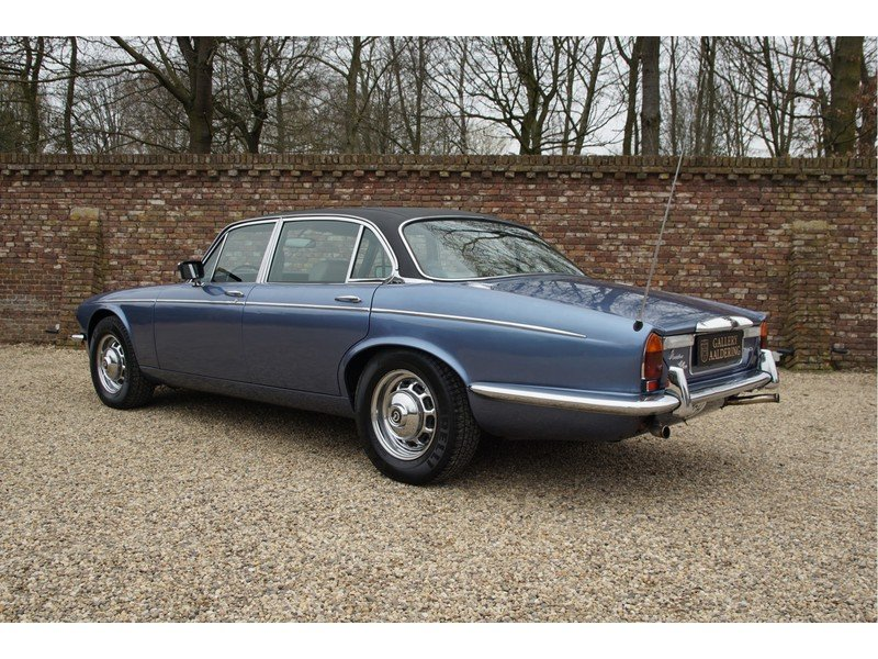 1978 Daimler Double Six Vanden Plas Swiss car, only 126.433 km For Sale (picture 2 of 6)