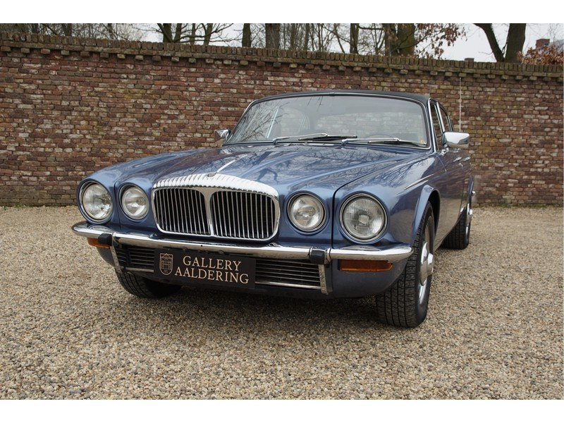1978 Daimler Double Six Vanden Plas Swiss car, only 126.433 km For Sale (picture 5 of 6)