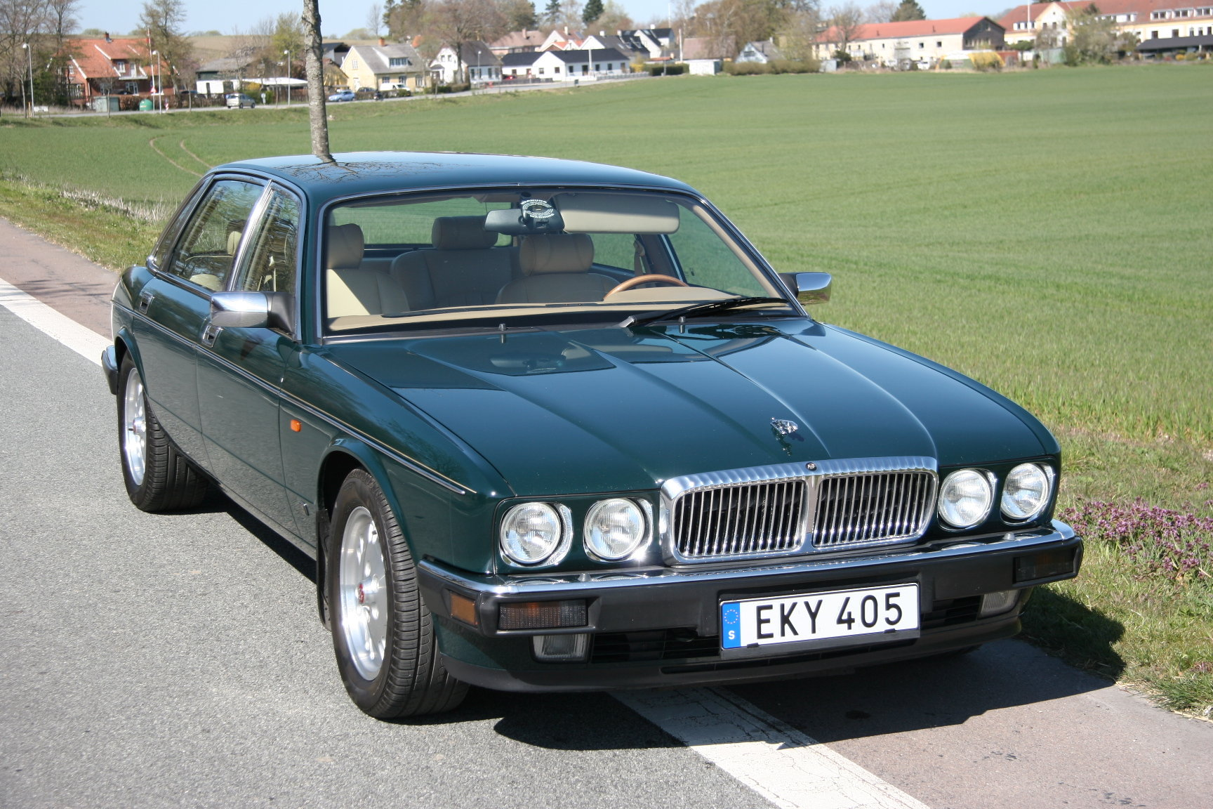1994 Daimler Double Six Majestic Insignia - NEW PRICE For Sale (picture 2 of 6)