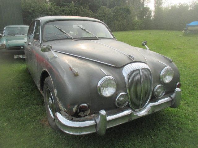 1965 Daimler V8-250 MK2 Jaguar shape for restoration For Sale (picture 1 of 6)