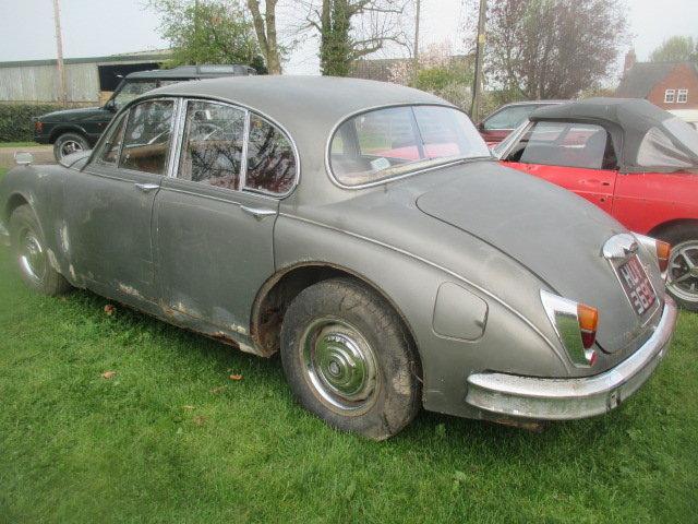 1965 Daimler V8-250 MK2 Jaguar shape for restoration For Sale (picture 2 of 6)