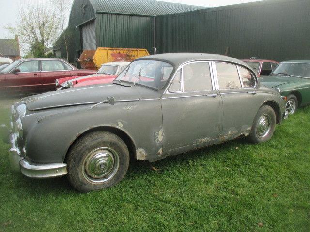 1965 Daimler V8-250 MK2 Jaguar shape for restoration For Sale (picture 3 of 6)