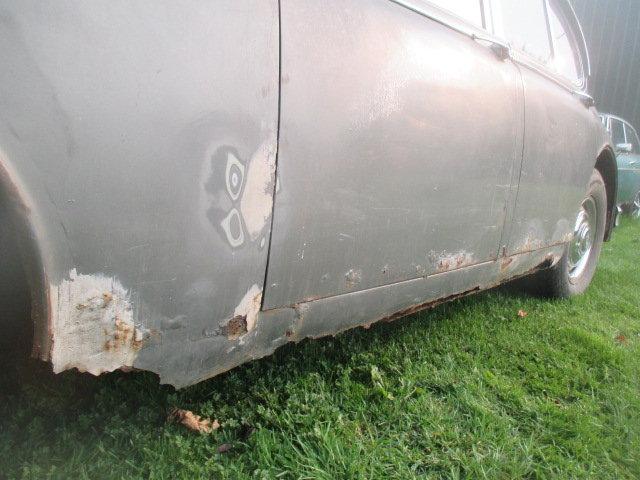 1965 Daimler V8-250 MK2 Jaguar shape for restoration For Sale (picture 4 of 6)